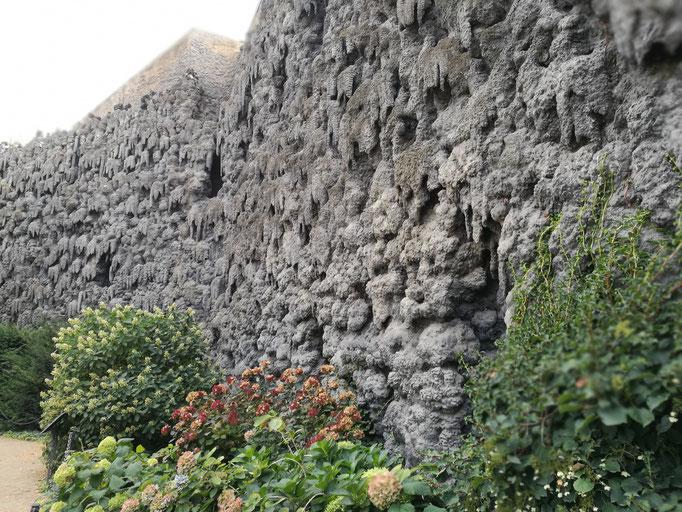Die Tropfsteinwand im Palais Waldstein