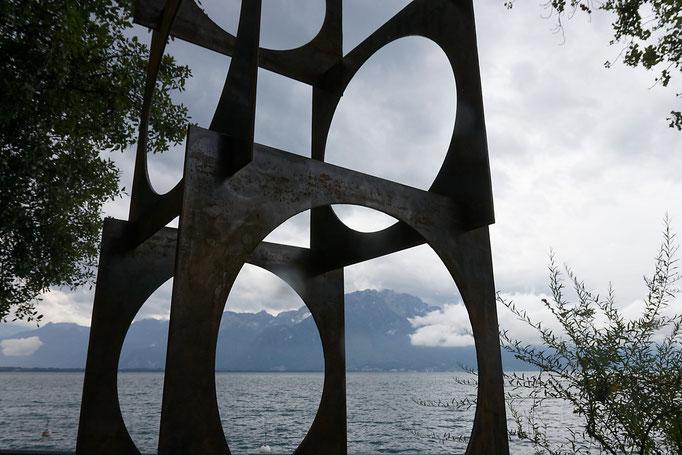 La Tour de Vitruve. 360 cm. Acier.  /  © Michel LAURENT / MichL