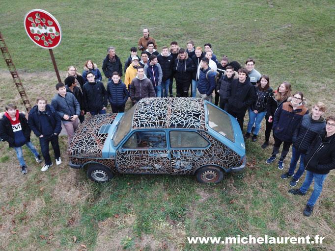 Visite de ma salle d'expo et de mon parc de sculpture, puis démonstration de forge avec les élèves du Lycée Jules Haag de Besançon  © Michel LAURENT / MichL