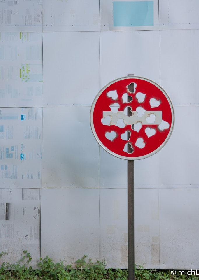 Sens interdit / Acier et aluminium  © Michel LAURENT (MichL)