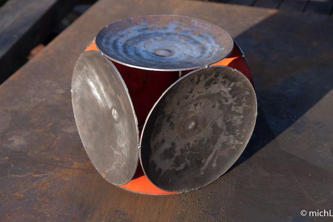 Cube sphérique / Acier (H : 23 cm) © Michel LAURENT / MichL