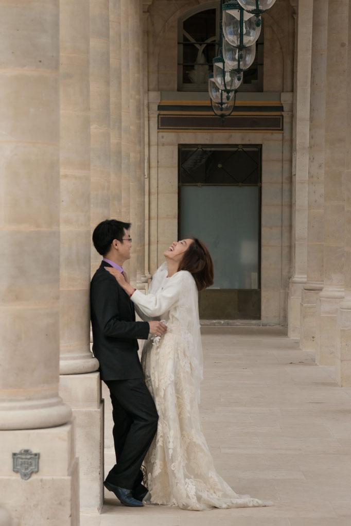 Séance photos de couple à Paris avant leur mariage en Chine