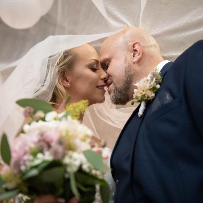 Bilder am Tag der Heirat vom professionellen Kamerateam