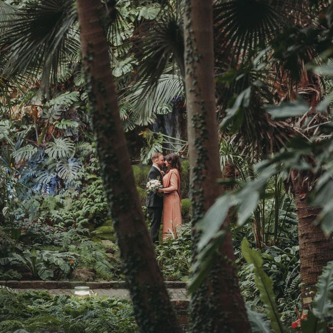 Hochzeitsbilder vom professionellen Fotografen machen lassen