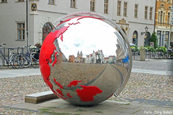 Die Weltkugel zur Weltausstellung Reformation