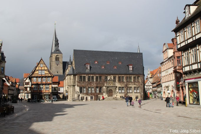 Der Rathausplatz in Quedlinburg