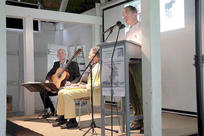 Lesung Thomas Schweikert/Arne Wolf  Seekamp 11.08.19     Fotografin: Gaby Rennert