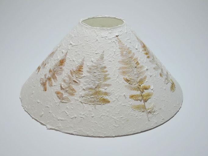 PAPIER-art ART-papier, Lampenschirm aus Papier, Zellstoffaser Abaka Farne  30-08 / h 13 cm, Mattsee, Österreich