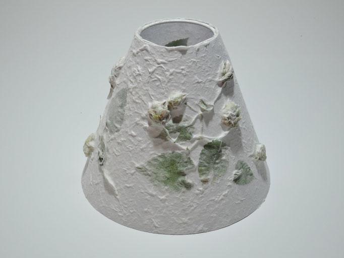 PAPIER-art ART-papier, Lampenschirm aus Papier, Zellstoffaser Abaka Hopfen  DM 18-07 cm H 14 cm, Mattsee, Österreich