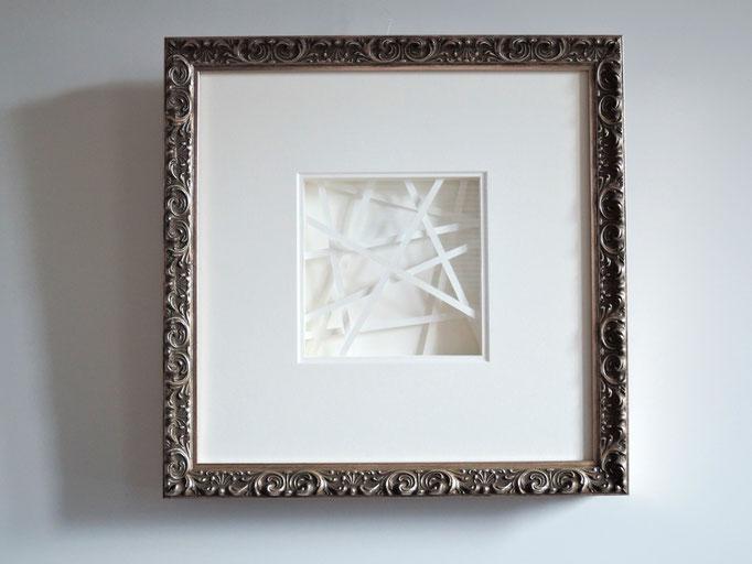 lines II - 2015 - 34 x 34 cm / PAPIER-art ART-papier, Papierbild aus einzelnen Papierschichten, weiß, Harald Metzler, Mattsee, Österreich