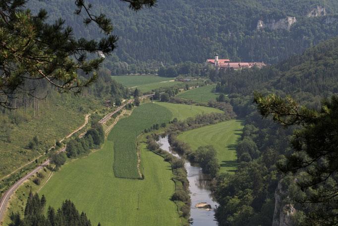 Donautal mit Blick auf das Kloster Beuron