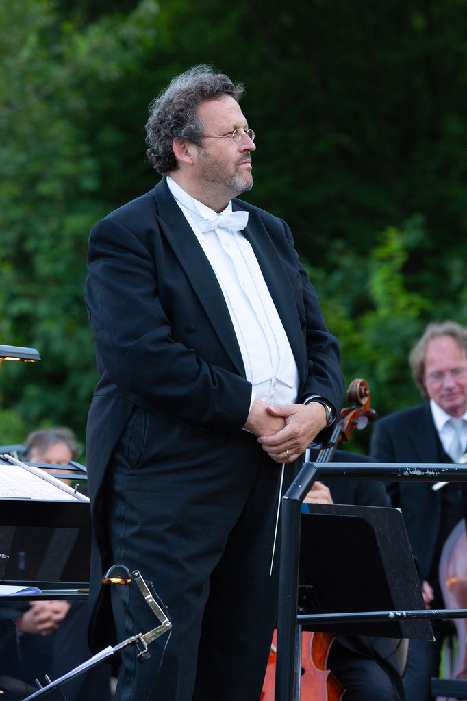 Conductor Mark Mast; Photo by Natalie Dautel