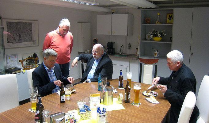 (von links) Wolfgang Hagedorn A 12, Franz-Josef Lewe A 2, Karl-Heinz Schäfer A 5, Reinhold Klein A 12
