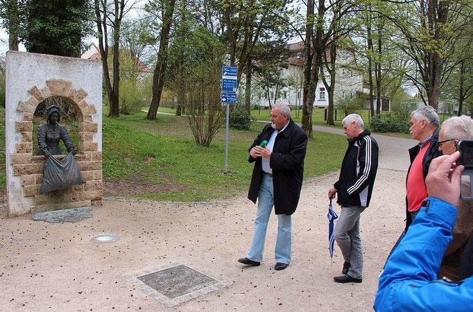 Rundgang auf dem Frau Holle Weg. (von links),Bernd Quittkat A 2, Reinhold Klein A 12, Franz-Josef Lewe A 2, Harry Bohl A 12