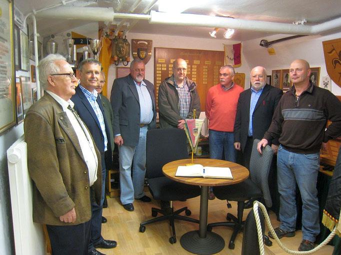 (von links) Harry Bohl A 12, Wolfgang Hagedorn A 12, Alfred Weiser A 2 ( teilweise verdeckt ), Bernd Quittkat A 2, Stefan Altmann A 5, Franz-Josef Lewe A 2, Karl-Heinz Schäfer A 5, Bernd Diederich A 2