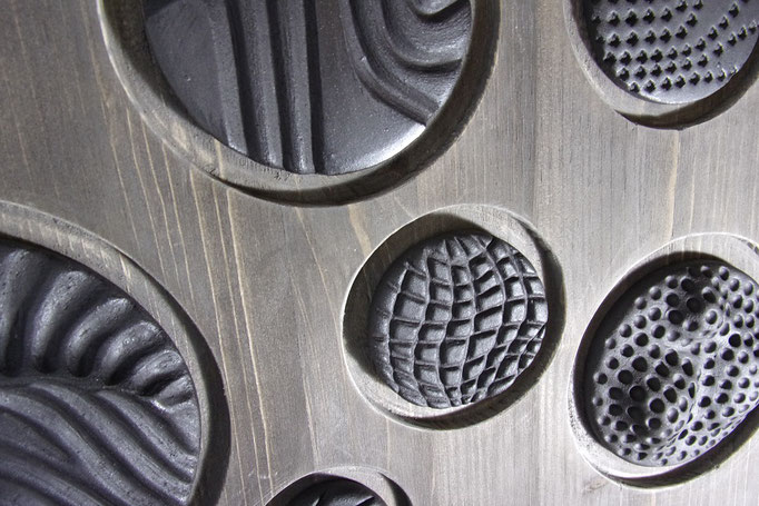 Réf : TE201902 - Grès noir et bois teinté noir -  50 cm X 50 cm