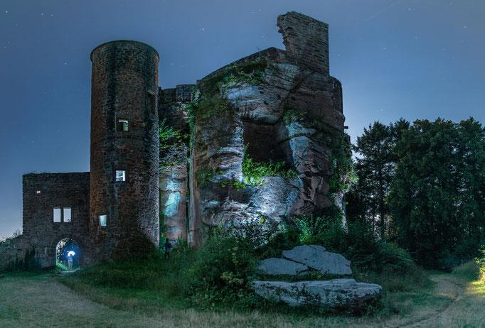 Ruine Neudahn in selbstgemachter Illumination