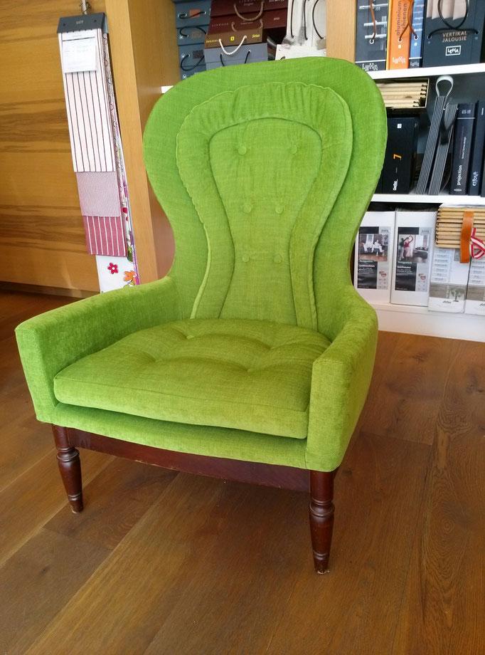 neu bezogener Sessel