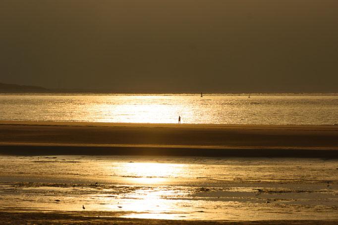 Den Inseltag mit Blick aufs Meer beenden zu können ... Sonnenuntergang gibt es gratis dazu :-)