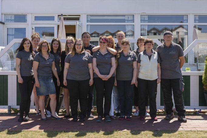 Team Biohotel Strandeck und ein kleiner Teil unseres Team`s von unserem Bio Restaurant Seekrug