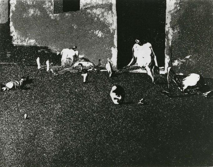 Elegy for a New Conscript: Landscape (A Corner) / etching, aquatint / 18.7×24.0cm / 1954 「初年兵哀歌−風景(一隅)」エッチング・アクアチント