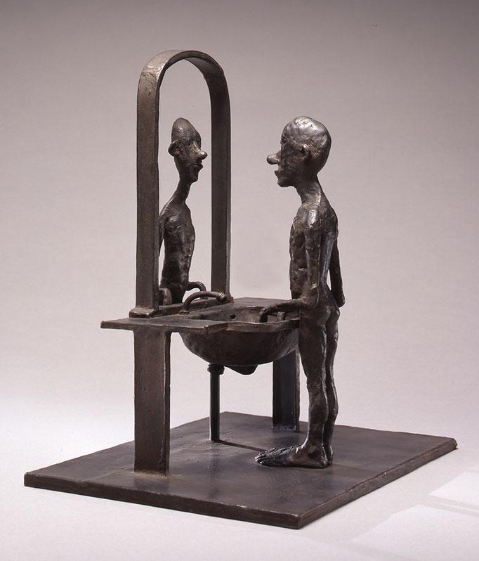 Mirror / bronze / 32.0×21.8×28.3cm / 1993 「鏡」ブロンズ