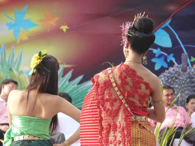 Baile inauguración del festival de frutas