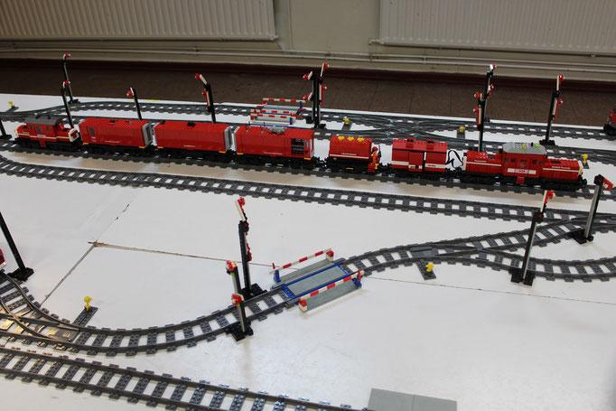 Feuerwehr-Tunnelhilfszug in ganzer Länge