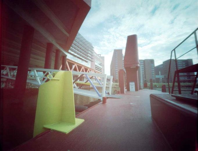 Ponton achter het Nieuwe Luxor Rotterdam