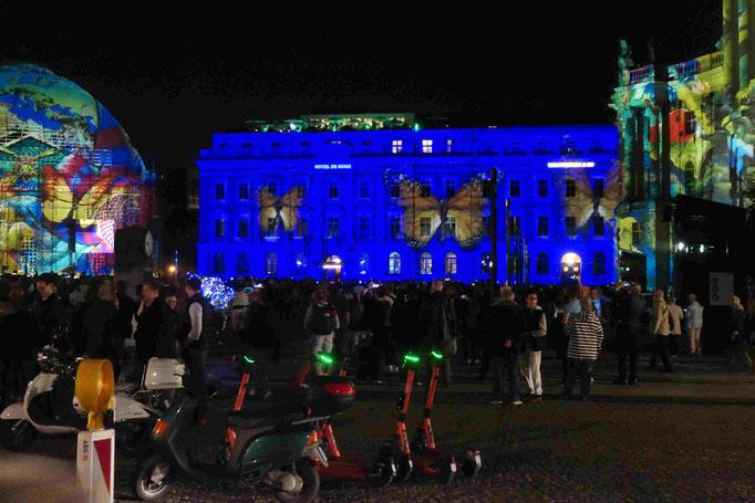 Bebelplatz mit Staatsoper, St.Hedwig Kathedrale, Hotel de Rome und Unibibliothek