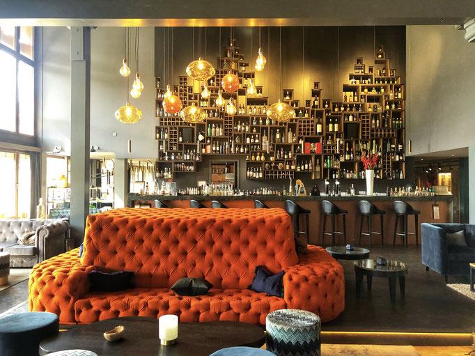Huus Gstaad Lobby and Bar