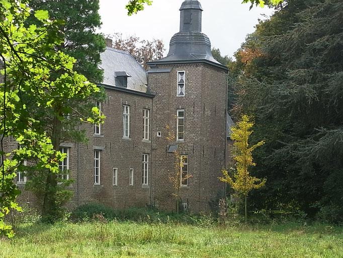 Schloss mit Eckturm