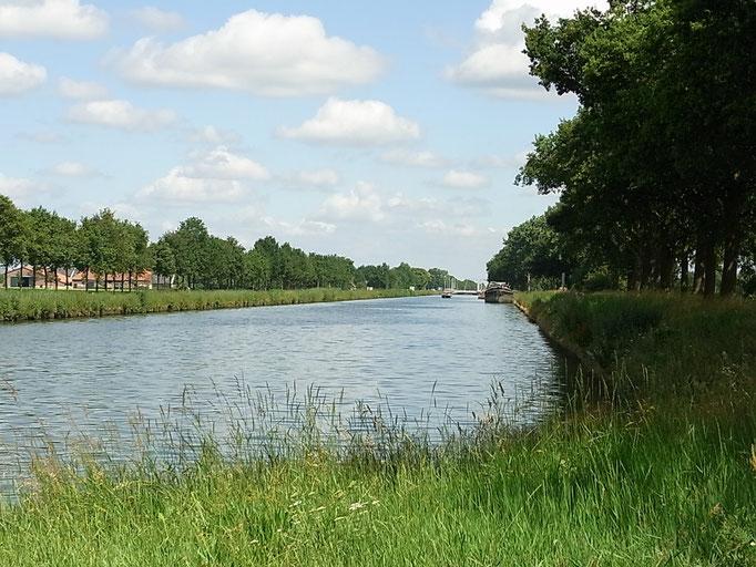 Pause am Kanal Nederweert - Helmond