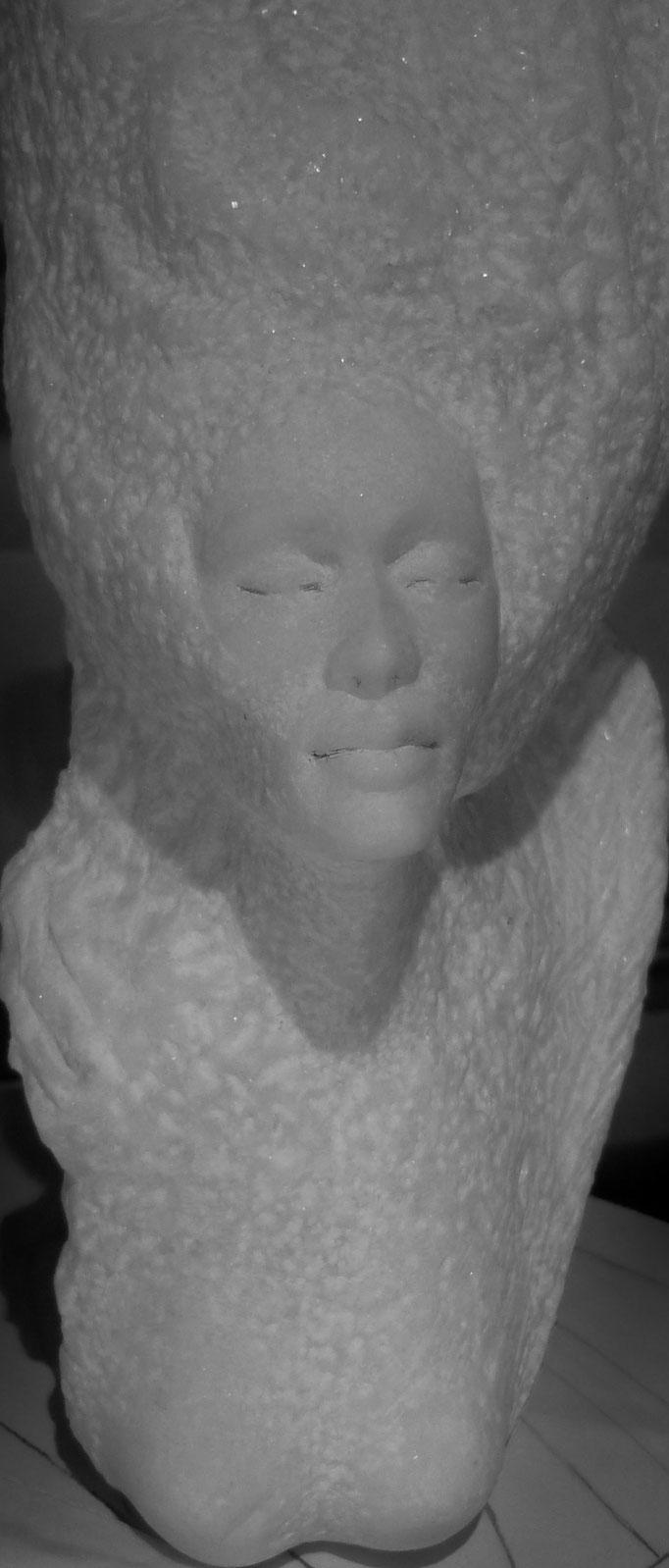 SAHRA,         Marmor  (Ausschnitt),        H 50 T 21  B 18 cm