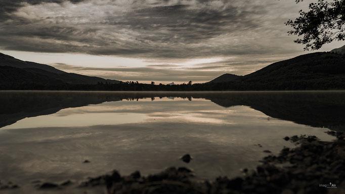 Un des lacs de Laffrey (38) au petit matin   Crédit : Benoit PEREZ