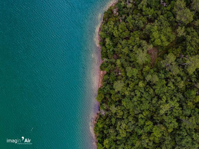 Lac de Saint-Cassien (Var)   Crédit : Benoit PEREZ