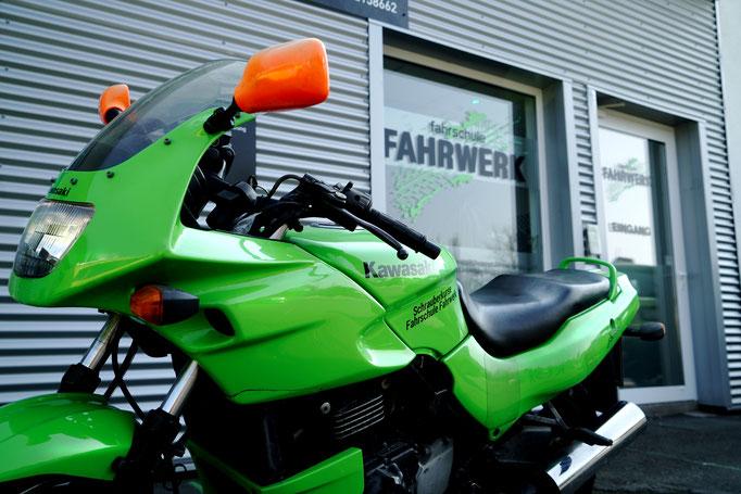 Kawasaki GPZ (Handlingstraining)