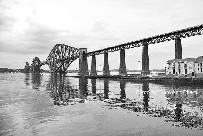 Firth of Forth Rail Bridge, Edinburgh, Scottland