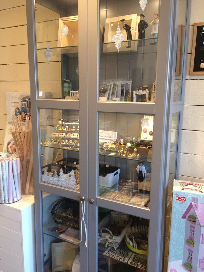 Miniatures et créations pour maisons de poupées