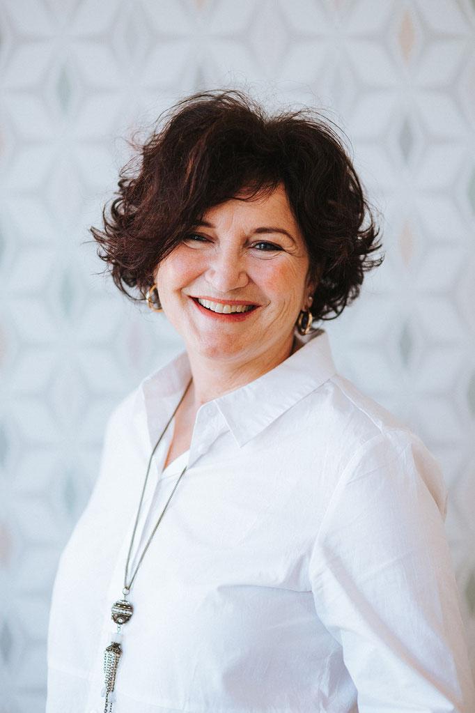 Karin Adam (MTA; Anmeldung & Praxismanagement)