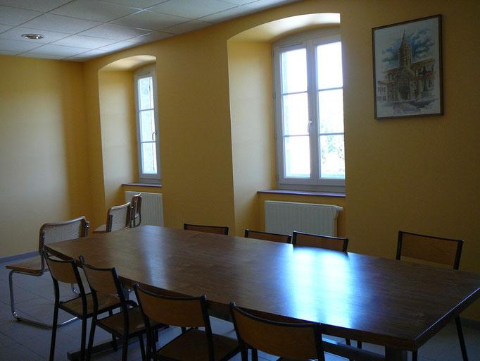 salle commune Centre la Margeride, gîte d'étape La Margeride, Saugues GR65