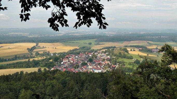 """Blick vom """"Rauhen Kulm"""" nach Neustadt am Kulm"""