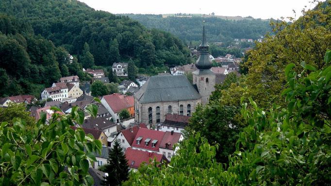 Blick von der Burgruine Altes Schloss auf Bad Berneck