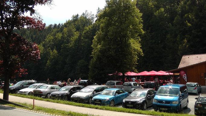 Parkplatz Schöngrundsee mit Bootsverleih