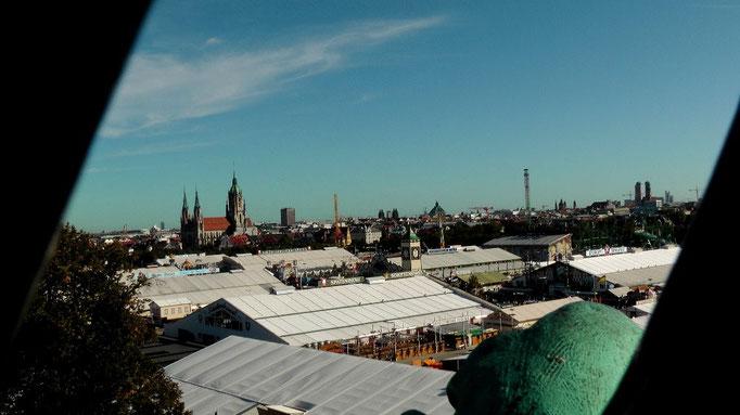 Blick aus der Bavaria auf die Wiesn 2012