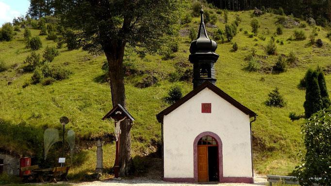 Dorfkapelle in Haselbrunn kurz vor Pottenstein in der Fränkischen Schweiz