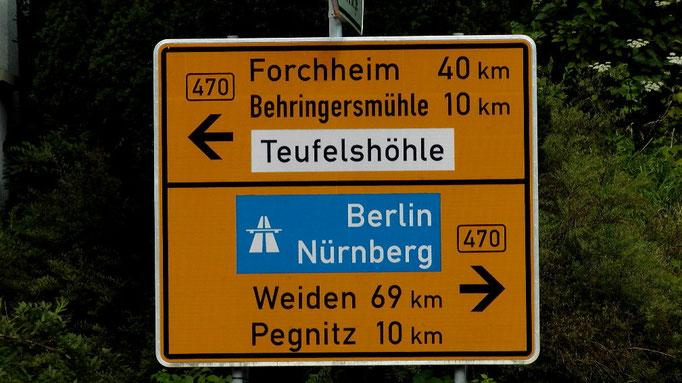 Es gibt natürlich noch viel mehr zu entdecken in der Fränkischen Schweiz, aber für heute reicht es. Nun geht es weiter in Richtung Weiden in der Oberpfalz, genauer gesagt möchte ich nun nach Grafenwöhr zum Deutsch- Amerikanischen Volksfest...