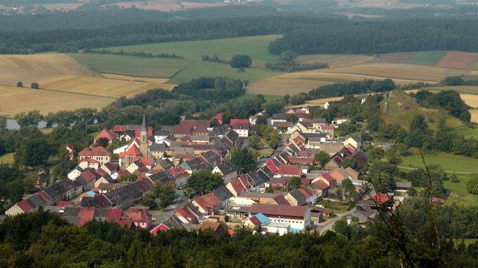 """Neustadt am Kulm und rechts der """"Kleiner Kulm"""""""
