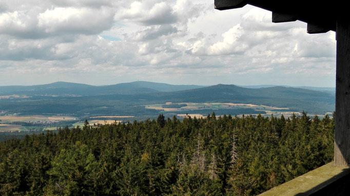 Blick zum Ochsenkopf und Schneeberg im Naturpark Fichtelgebirge