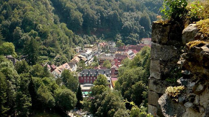 Blick von der Burgruine Hohenberneck runter auf Bad Berneck